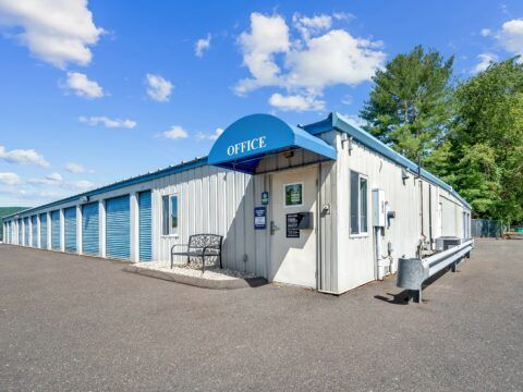 Self Storage Units in Southington – West Queen Street