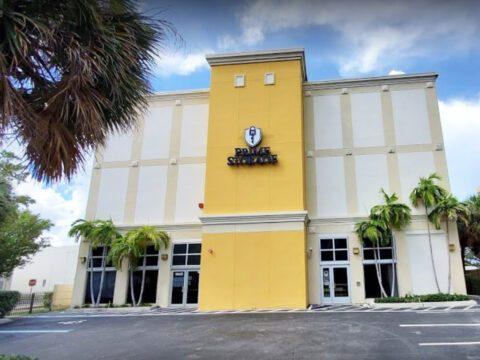 Self Storage Units in North Miami – Northeast 135th Street